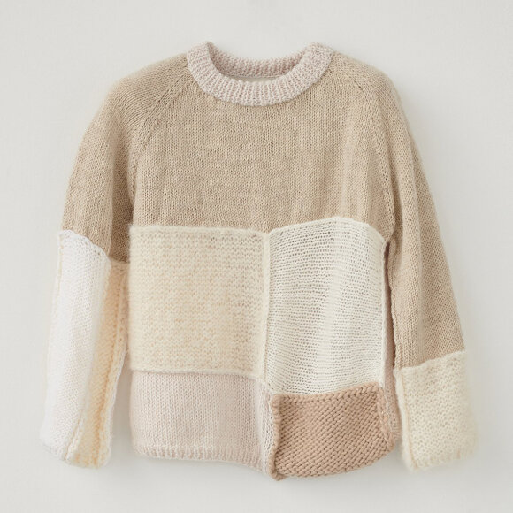 AF Agger - Hand knit Patchwork White Wall